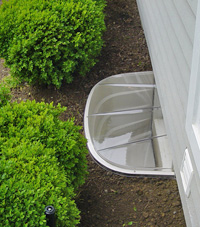 basement egress window well in Repentigny