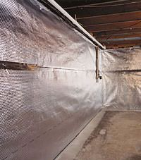 Radiant heat barrier and vapor barrier for finished basement walls in Saint-Jean-sur-Richelieu, Quebec